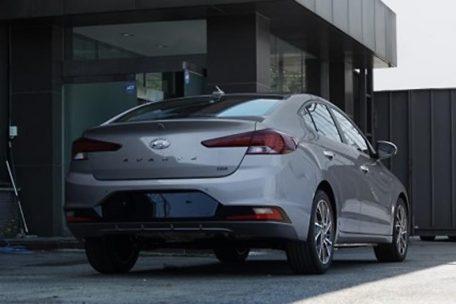 2019 Hyundai Elantra Facelift Spotted Undisguised 10