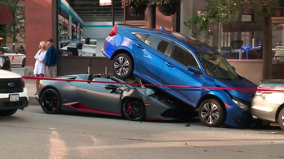 Lamborghini Huracan Spyder Rear-Ends Honda Civic in Chicago 16