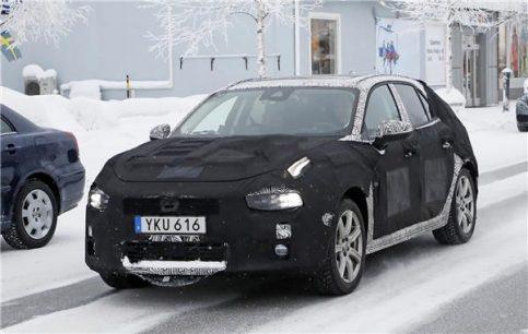 Spy Shots: Lynk & Co 04 Hatchback 3