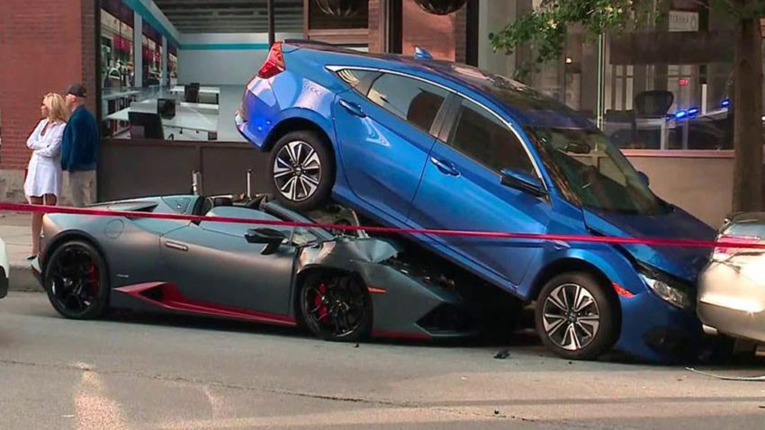 Lamborghini Huracan Spyder Rear-Ends Honda Civic in Chicago 4