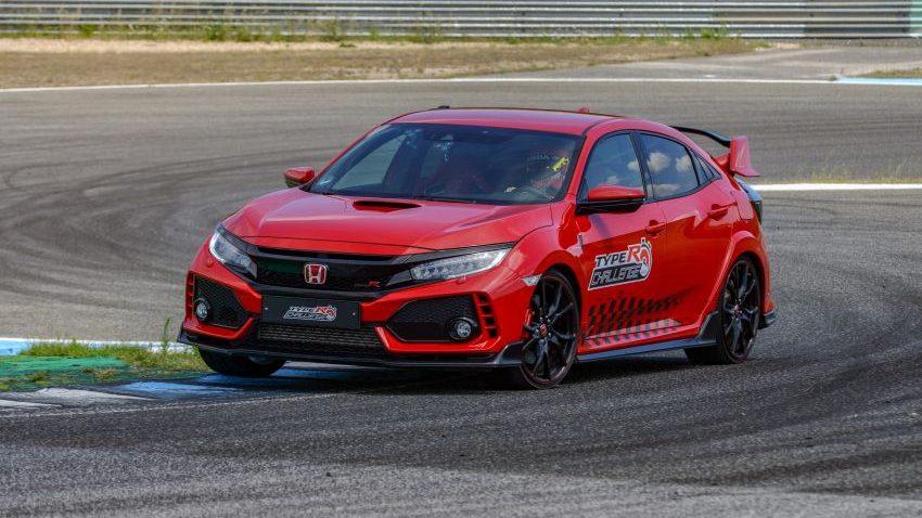 Honda Civic Type R Breaks FWD Record at Estoril 8