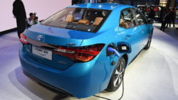 Toyota to Introduce Corolla plug-in Hybrid and 10 new EVs in China by 2020 25