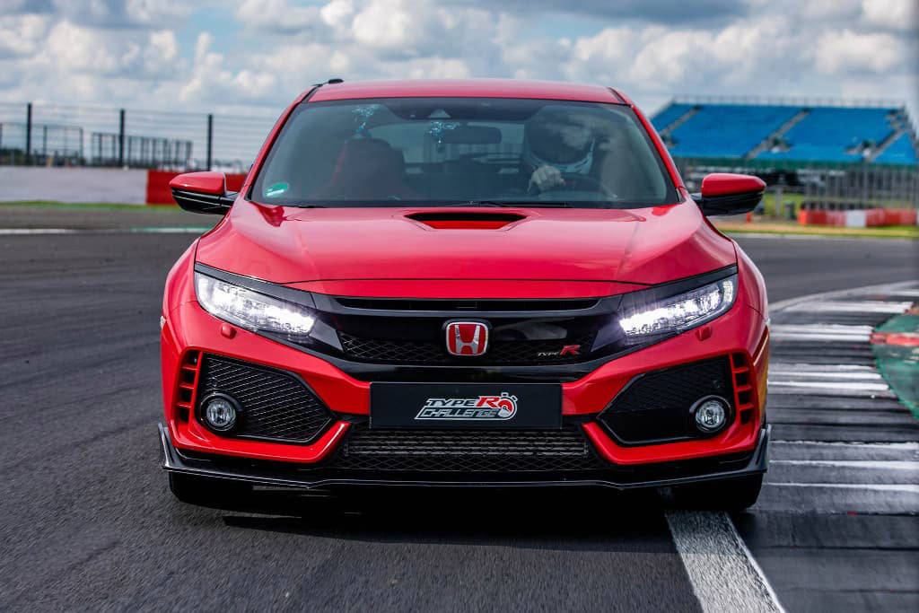 Honda Civic Type R Breaks Silverstone Lap Record 13