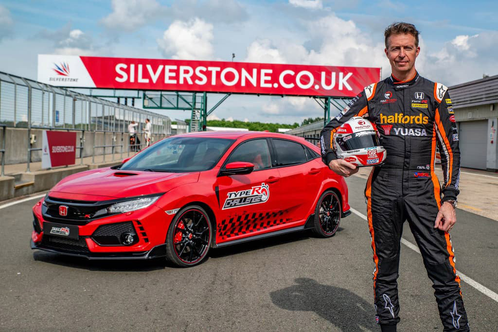 Honda Civic Type R Breaks Silverstone Lap Record 1