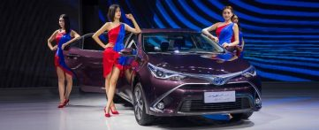 Toyota to Introduce Corolla plug-in Hybrid and 10 new EVs in China by 2020 4