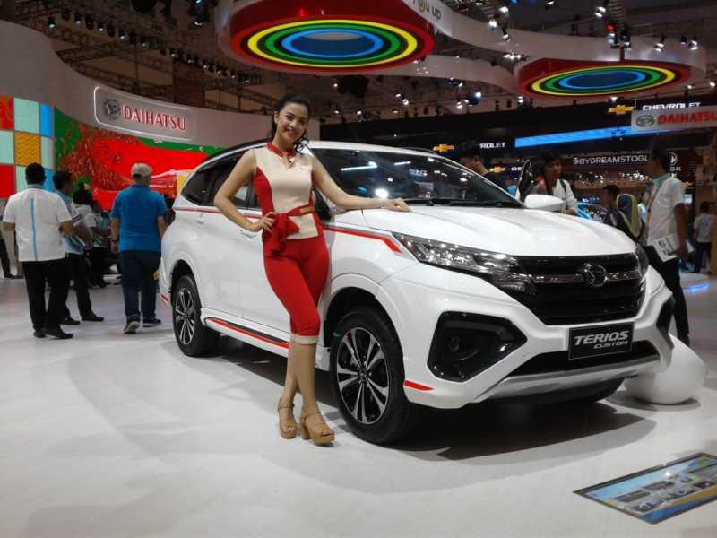 Daihatsu Terios Custom at GIIAS 2018 1