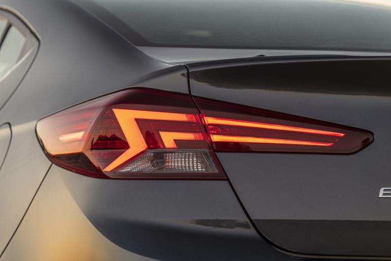 2019 Hyundai Elantra Facelift Revealed 15