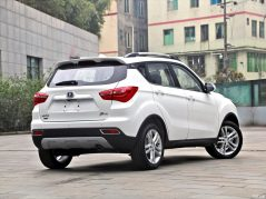 Changan Releases Official Photos of CS35 Plus Crossover Ahead of Debut 4