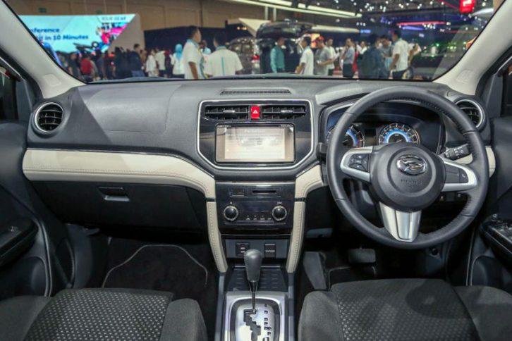 Daihatsu Terios Custom at GIIAS 2018 17