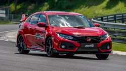 Honda Civic Type R Sets Hungaroring FWD Record 6