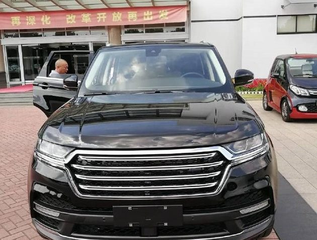 Zotye Copies the Range Rover Sport 6