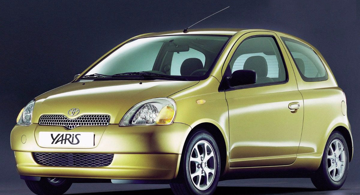 Toyota Celebrates 20 Years of Yaris with Gold-Painted Special Edition 5