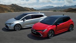 New Toyota Corolla Debuts With Two Flavors at Paris Motor Show 21