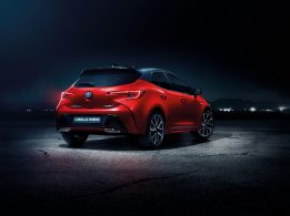 New Toyota Corolla Debuts With Two Flavors at Paris Motor Show 22