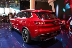VinFast Unveils Vietnam's First Cars at Paris Motor Show 12