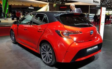 Toyota Corolla Hybrid Unveiled at 2018 Paris Motors Show 3