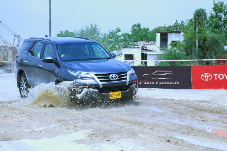 Hyundai Santa Fe for PKR 18.5 Million- What Else Can You Buy? 16