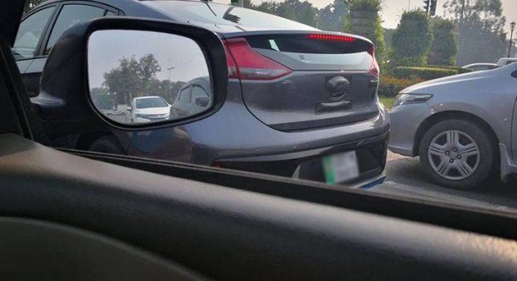 Hyundai Ioniq Spotted in Lahore 1