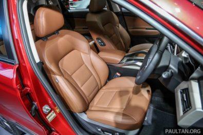 Mahathir Mohammad Gifts Proton X70 SUV to Imran Khan 5
