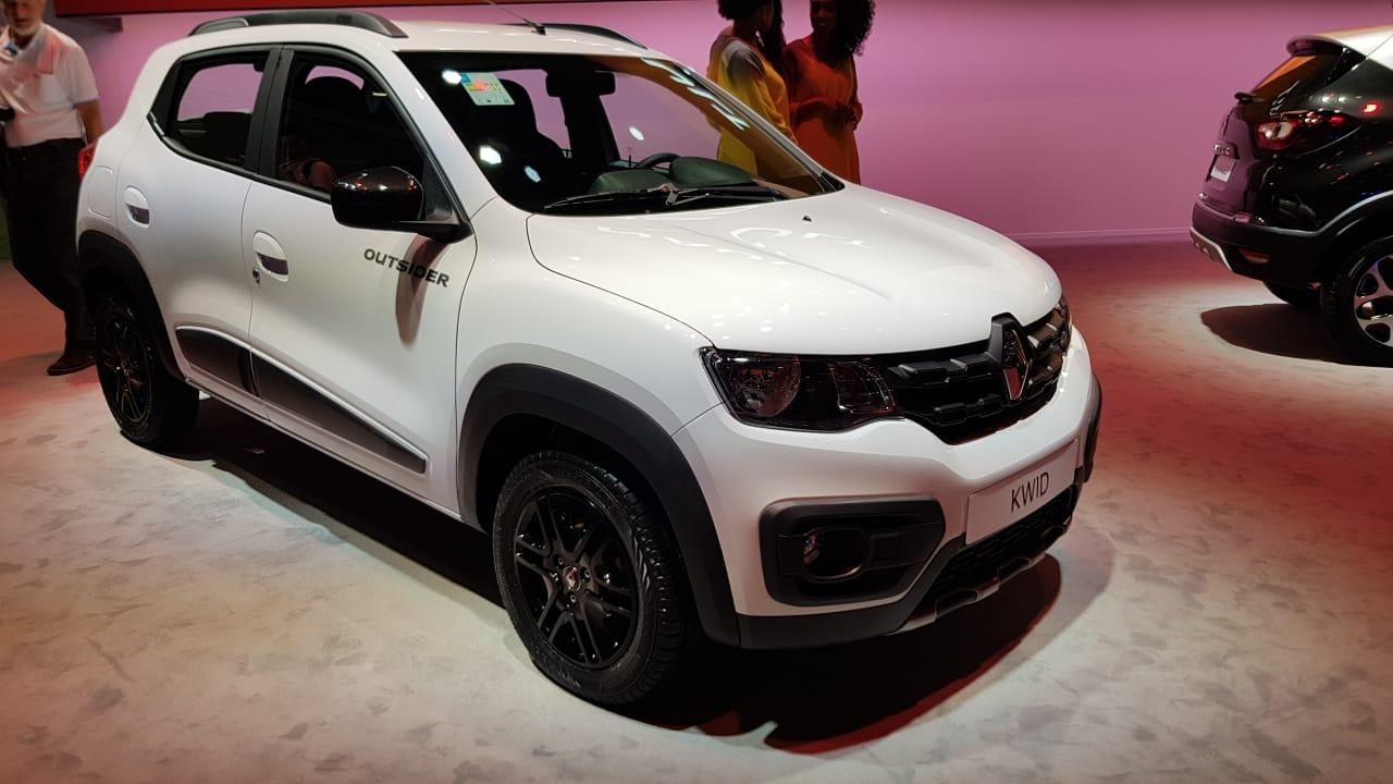 Renault Showcased the Kwid Outsider at 2018 Sao Paulo Motor Show 7