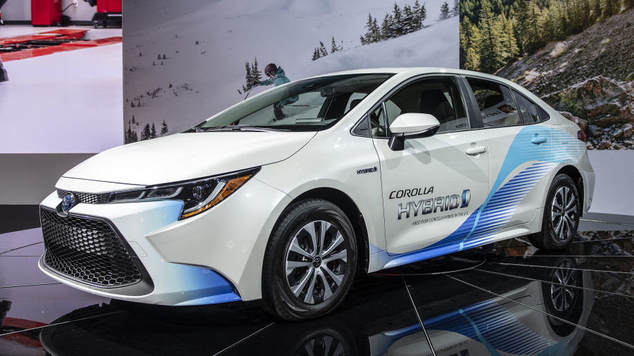Corolla Hybrid Ad Ignites EV Lovers in US 1