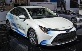 Toyota Corolla Hybrid Debuts at 2018 Los Angeles Motor Show 11