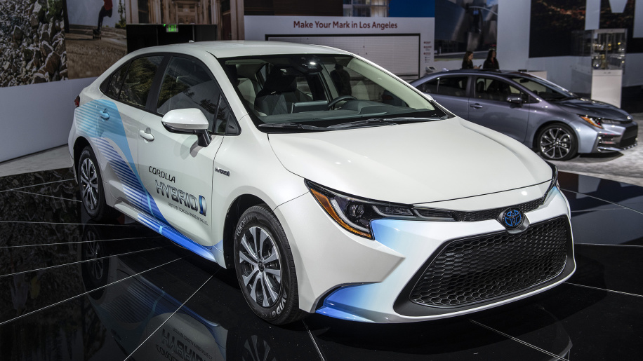 Toyota Corolla Hybrid Debuts at 2018 Los Angeles Motor Show 18