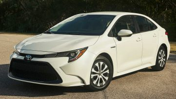 Toyota Corolla Hybrid Debuts at 2018 Los Angeles Motor Show 13