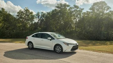 Toyota Corolla Hybrid Debuts at 2018 Los Angeles Motor Show 16