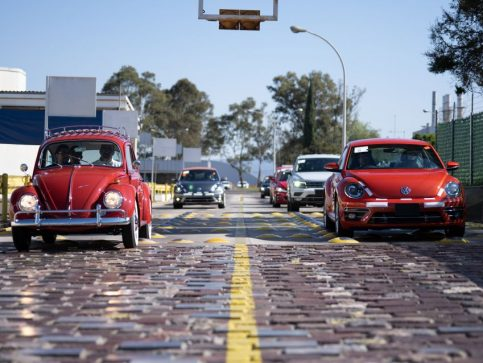Volkswagen Restores 1966 Beetle for Its Original Owner Free of Cost 25
