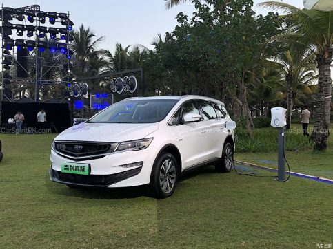 Geely Unveils Its First MPV- JiaJi in China 4