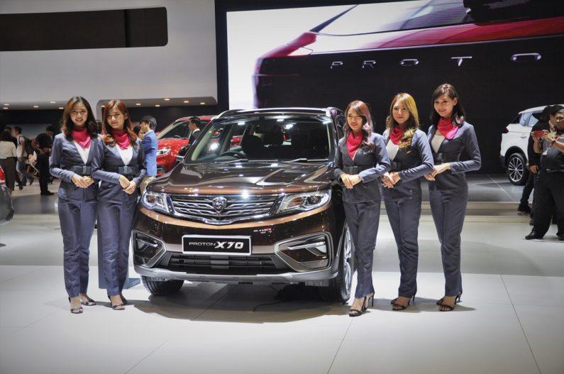 Mahathir Mohammad Gifts Proton X70 SUV to Imran Khan 2