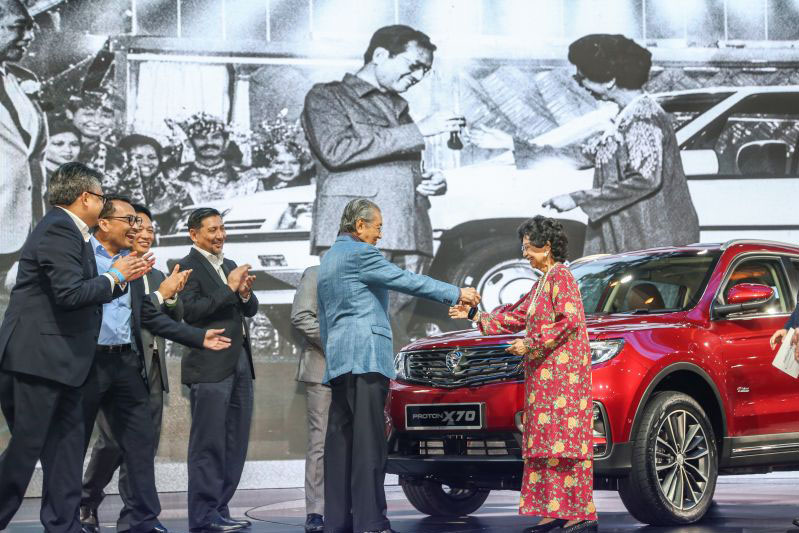 Proton's First SUV- the X70 Launched in Malaysia 11