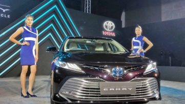 2019 Toyota Camry Hybrid launched in India for INR 36.95 lac 7