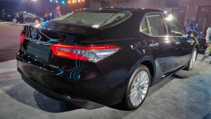 2019 Toyota Camry Hybrid launched in India for INR 36.95 lac 6