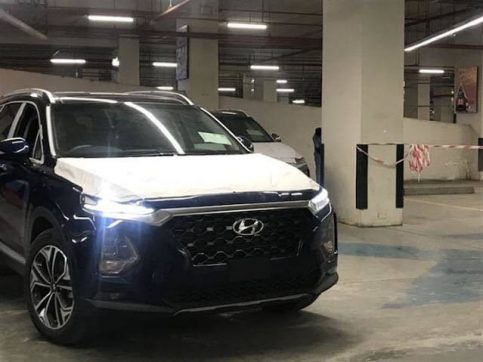 Hyundai Nishat Showcasing the Sante Fe 6