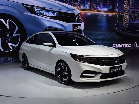 Honda Envix- Bigger than Civic, Smaller than City 6