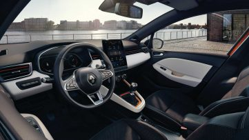 2019 Renault Clio V Revealed Ahead of Geneva Debut 12