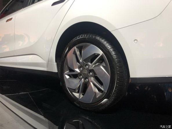 Geely Unveils GE11 Electric Sedan 10