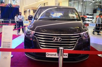 Hyundai Santa Fe for PKR 18.5 Million- What Else Can You Buy? 5
