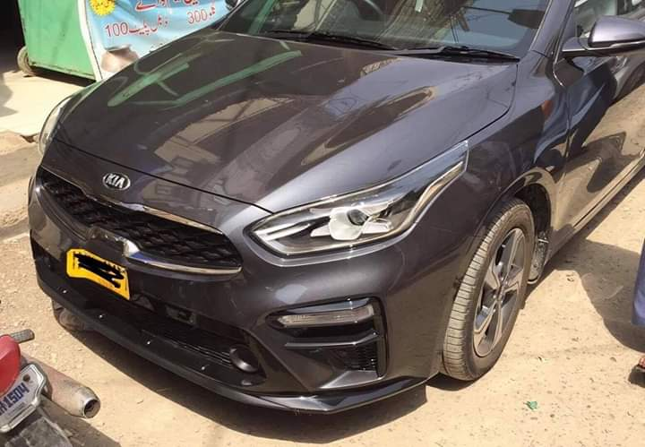 Kia Cerato Sedan Spotted in Karachi 1