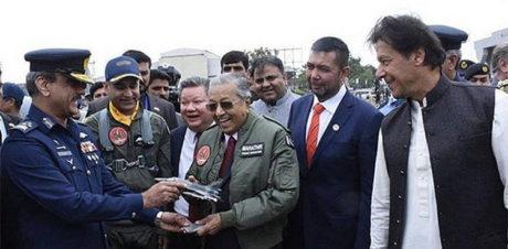 Mahatir Confident Proton will be Successful in Pakistan 5
