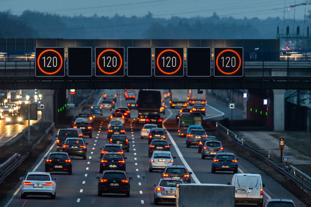 New Cars in Europe to Have Speed Limiters by 2022 3