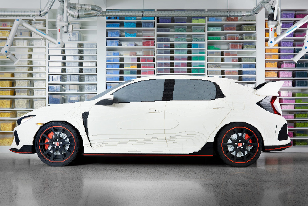 Life-size LEGO Honda Civic Type R Makes Its Debut 4