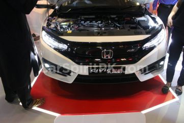 Honda Civic RS in Pakistan vs Elsewhere 23