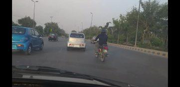 Pak Suzuki Alto 660cc Spotted on Roads 9