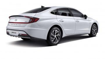 2020 Hyundai Sonata Hybrid Debuts with Solar Roof 5