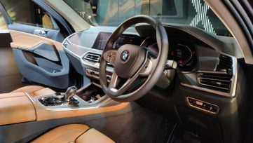 BMW X7 Launched in Pakistan and India 11