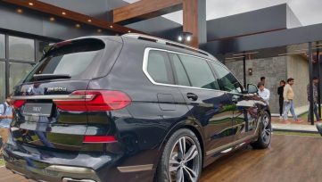 BMW X7 Launched in Pakistan and India 17