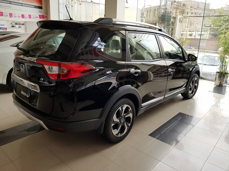 Troubling Times for Honda and BR-V in Pakistan 4